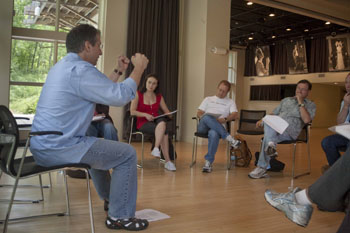 Master Teacher Barry Edelstein discusses his approach to Shakespeare with the Fellows.